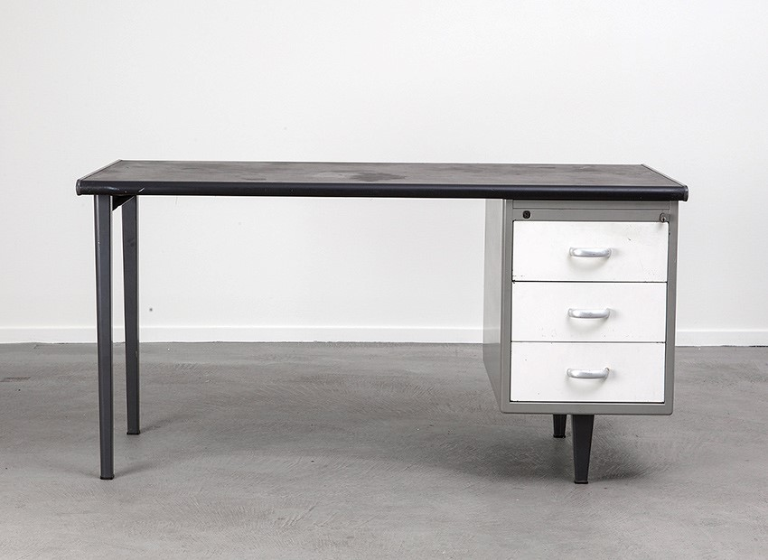 SOLD A.R. Cordemeyer Desk Kleuro Series Gispen 50s