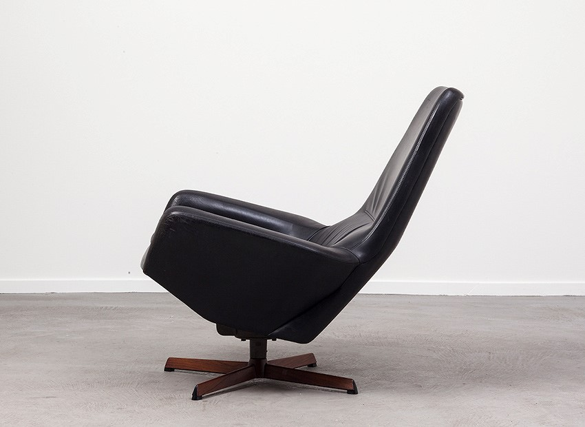SOLD Ib Kofod Larsen Leather Easy Chair Bovenkamp 60s