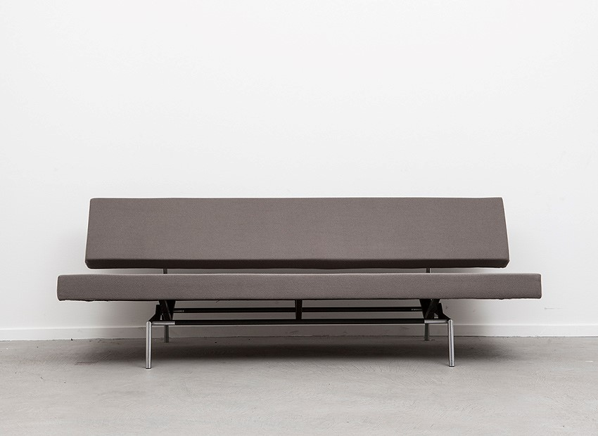 SOLD Martin Visser Sleeping Sofa BR02.7 'T Spectrum 1960