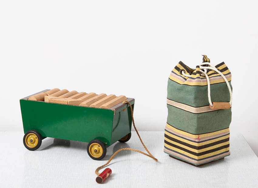 SOLD Ko Verzuu Wooden Cubes Cart + Toy Bag Ado 1950s