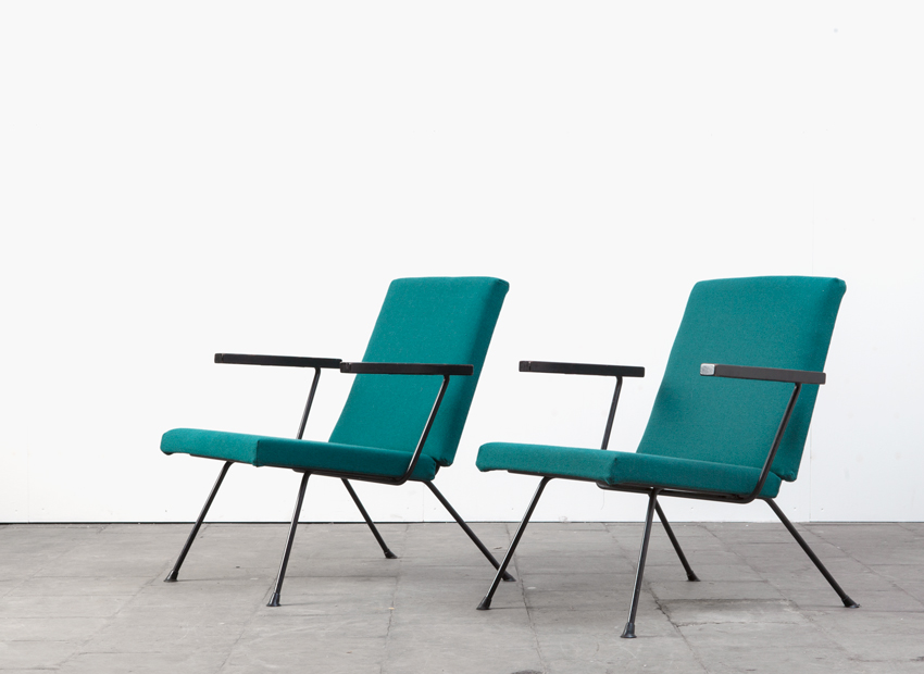 SOLD A.R.Cordemeyer 2 x Gispen1409 Lounge Chair