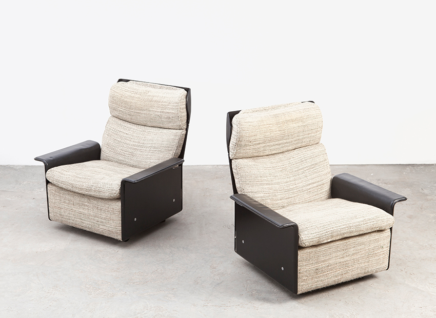 SOLD Dieter Rams A Pair of Lounge Chairs 620 Vitsoe 1962
