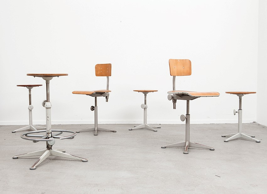 SOLD Friso Kramer Working Chairs & Stools Ahrend De Cirkel 1963