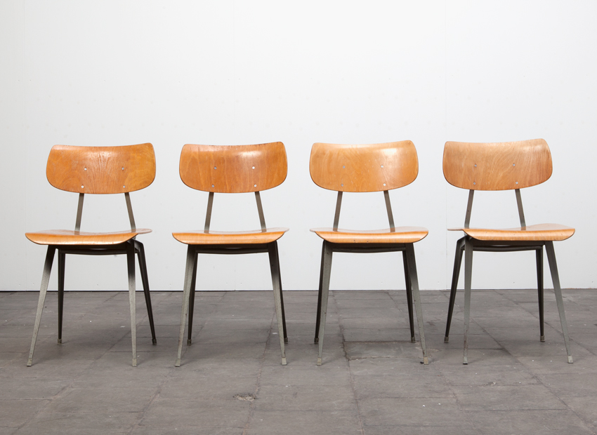Lustor 4x IndustrialChairs Dutch60s 1