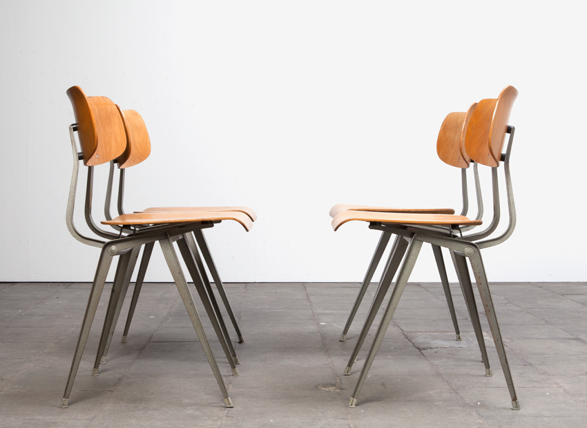 Lustor 4x IndustrialChairs Dutch60s 6