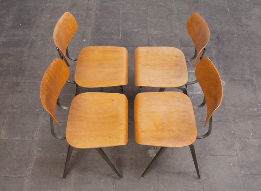 Lustor 4x IndustrialChairs Dutch60s 7