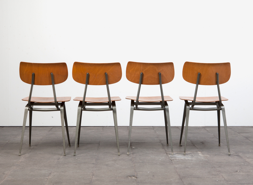 Lustor 4x IndustrialChairs Dutch60s 9