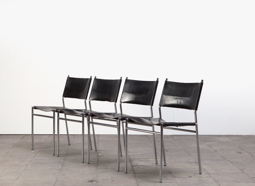 SOLD Martin Visser Set of 4 Chairs SE06 't Spectrum 1967