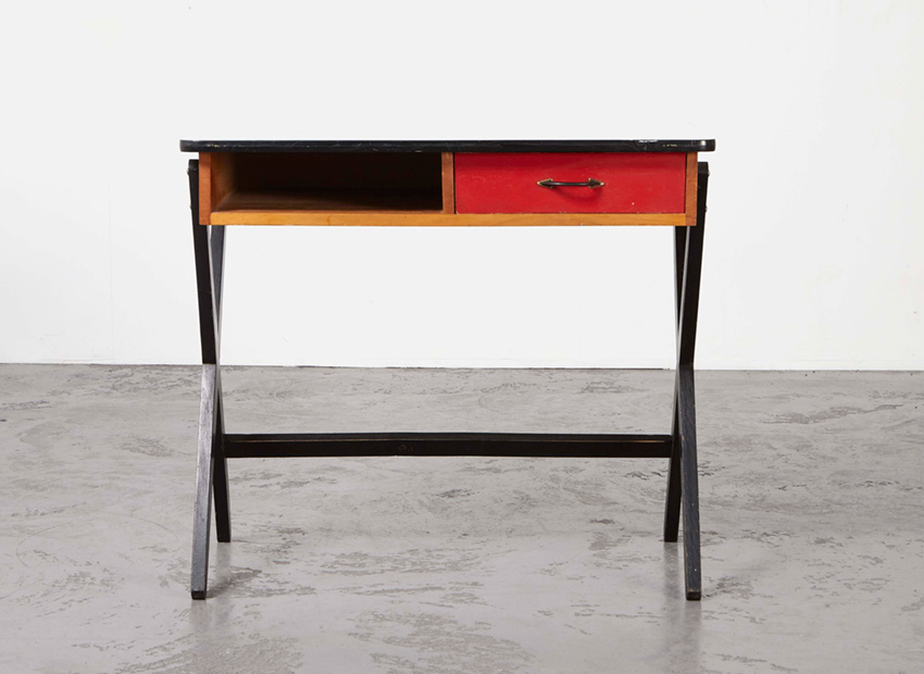 CoenDeVries DeskRed Devo 1