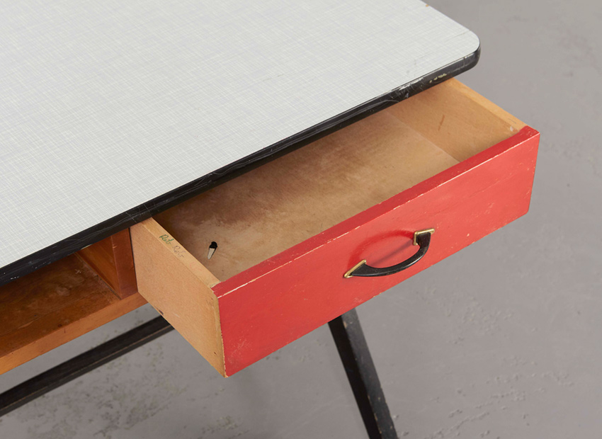 CoenDeVries DeskRed Devo 5
