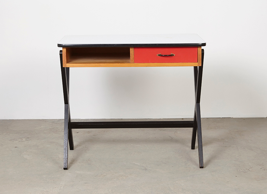 CoenDeVries Desk Devo 1