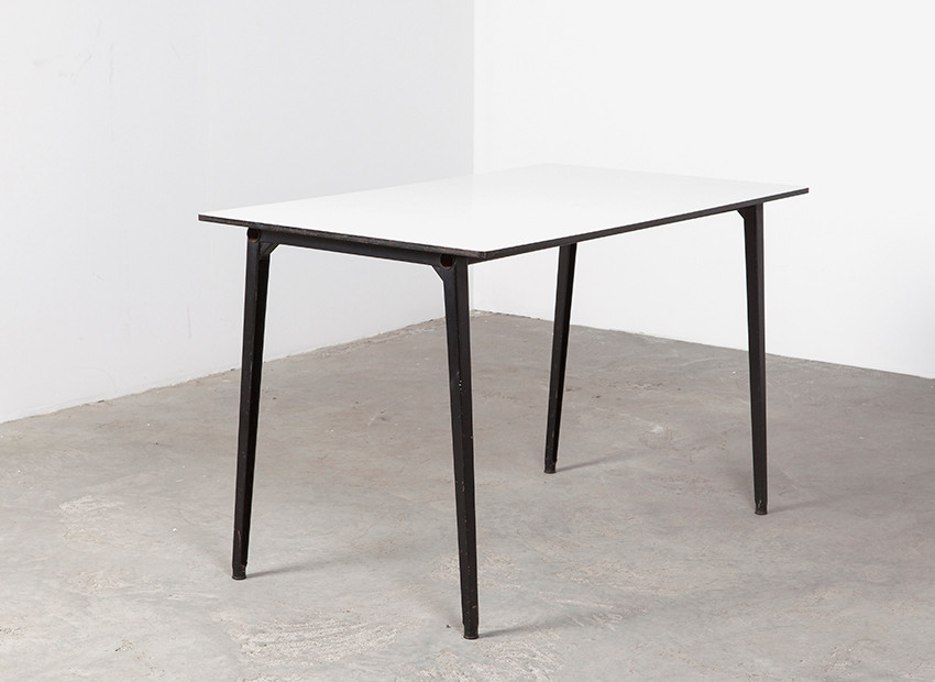 SOLD Friso Kramer Reform Table Ahrend de Cirkel 1950s