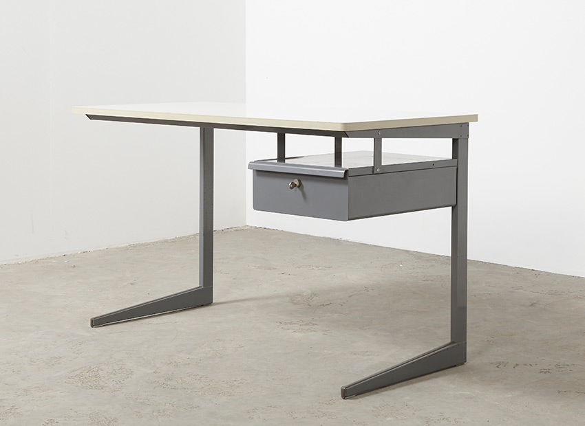 SOLD Friso Kramer Result Teacher Desk Ahrend de Cirkel 1958