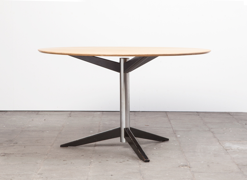 SOLD Martin Visser TE06 Dining Table 't Spectrum 1961