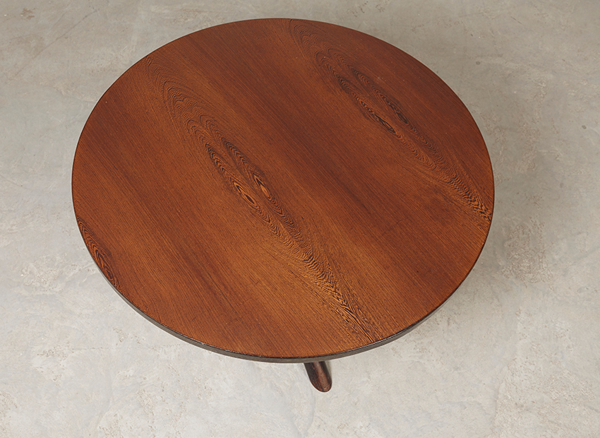 RoundModernist DiningTable 8
